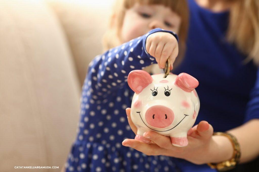 Tip Mengenalkan Konsep Uang pada Anak ala Opa Warren Buffett